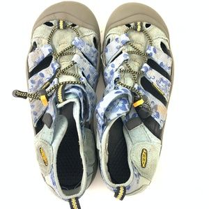 Keen Blue Foral H2 Design Reinforced Toe Sandal 8